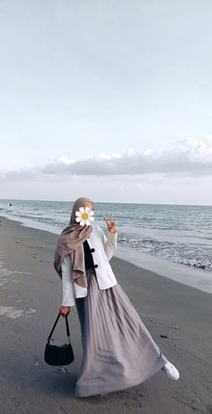 Modest Fashion Hijab, Casual Hijab Outfit, Muslim Fashion, Fashion Outfits, Muslim Girls, Muslim Women, Korean Girl Fashion, Hijab Fashion Inspiration, Girl Hijab