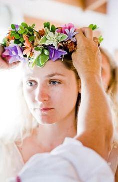 Bridal Wedding Accessories For Your Wedding Groom Wedding Accessories, Bridesmaid Accessories, 2017 Wedding Trends, Wedding Wreaths, Bridal Flowers, Wedding Styles, Dream Wedding, Wedding Inspiration, Wedding Photography