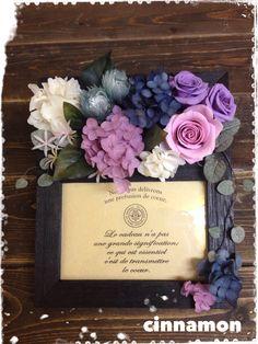 プリザーブドフラワーのフォトフレーム Flower Arrangement, Floral Arrangements, Wedding Welcome Board, Preserved Flowers, Dry Flowers, How To Preserve Flowers, Bouquet, Clay, Frame