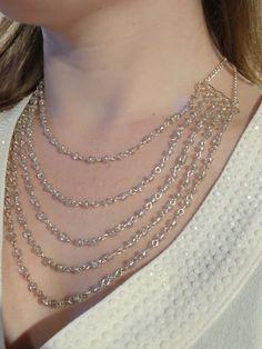 Collier plastron rivière plaqué argent et perles de verre argentées : Collier par les-bijoux-d-anso