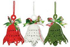 Tutorial: campanas de Navidad tejidas a crochet (Christmas crochet bells)! Crochet Christmas Decorations, Crochet Ornaments, Christmas Crochet Patterns, Holiday Crochet, Crochet Snowflakes, Crochet Gifts, Christmas Projects, Holiday Crafts, Confection Au Crochet