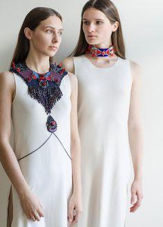Collier bleu rouge collier tribal collier énoncé par RasaVilJewelry