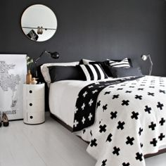 The most beautiful black and white bedroom styled by Stylizimo!