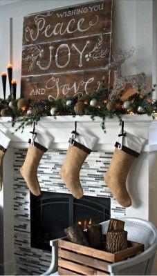 Christmas Mantel Decorating Ideas-02-1 Kindesign