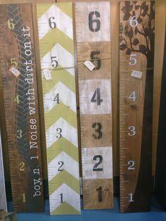 Wooden Growth Chart Growth Ruler ONE Design by LittleMonkeyBiz - Home Decorating Diy Ideas Wood Projects, Craft Projects, Projects To Try, Wood Crafts, Diy And Crafts, Growth Ruler, Diy Cadeau, Attic Renovation, Attic Remodel