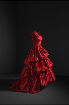 Taffeta Evening Gown, Photo © Cristóbal Balenciaga Museoa and Jon Cazenave. Courtesy of the Museo Thyssen Bornemisza. Dolly Fashion, 1960s Fashion, Vintage Fashion, Edwardian Fashion, Fashion Goth, Evening Outfits, Evening Gowns, Red Frock, Spanish Dress