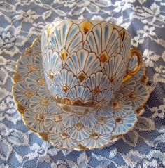 ᏝᏅᏤᎬ~Tea Cup and Saucer. Stunning Design and Colors. by ᏝᏅᏤᎬ~Tea Cup and Saucer. Stunning Design and Colors. Tassen Design, Café Chocolate, Keramik Design, Teapots And Cups, My Cup Of Tea, Tea Cup Art, China Patterns, Vintage China, Vintage Teacups