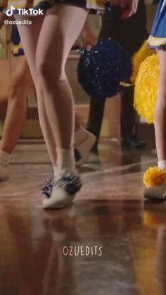 Cheryl Blossom Riverdale, Riverdale Cheryl, Riverdale Funny, Riverdale Cast, Vanessa Morgan, Cheryl Blossom Aesthetic, Riverdale Poster, Zack Y Cody, Camilla Mendes