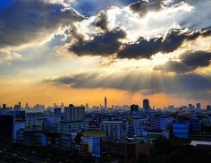 Reposting @photoexpozure: As the Sun hides behind the clouds, I hurry to my apartment to grab a pic of the day with this beautiful sunset in Bangkok through the gap in the window. Holding on to the camera from the 13th floor, the nerves of dropping the camera is on edge as I snap this delightful image on Thursday 4.45pm local time.  #picoftheday #picoftheweek #sunset #sunsetcity #thailand #sky #skyline #skyporn #dusk #instagood #instagram #instapic #insta #beautiful #photography…