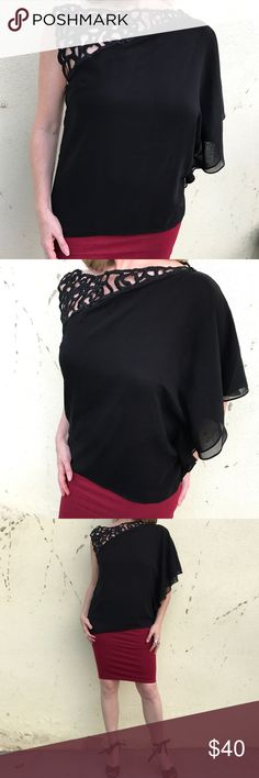 Elegant BLACK BLOUSE top LACE chiffon DRAPE SZ M Beautiful asymmetrical neckline with embroidered large LACE on one shoulder, a chiffon draped sleeve on the other. Lined. Lovely silhouette! (Polyester) m17 Tops Blouses