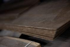 #Echtholzfurnier / #wood #veneer Tischlerei Radaschitz GmbH Texture, Chocolate, Design, Crafts, Projects, Timber Wood, Surface Finish, Manualidades