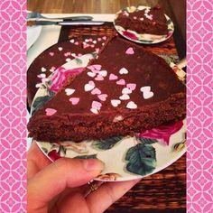 #leivojakoristele #ystävänpäivähaaste Kiitos @ natalia.hotanen Cake, Desserts, Instagram, Food, Tailgate Desserts, Deserts, Kuchen, Essen, Postres