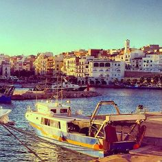 #Photo @xaviertost #ametllademar #ametllamar #terresdelebre #tarragona #catalunya #catalogne #cataluña #catalonia #pesca #fishing #pêche #platja #playa #plage #beach #estiu #verano #été #summer #sun #vacances #vacaciones #holiday #traveling #viajes #travel #visit #eatheword #vamosdeviaje #voyage #escapadas #experiences #traveller #food #gastronomia #gastronomy #happyholidays #mediterrani #mediterraneo #mediterranean #visiting #vacation #trip #tourism #tourist #reservadelabiosfera
