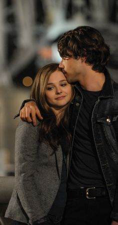 If I stay / Chloë Grace Moretz and Jamie Blackley