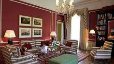 bph_640x360_accommodation_red-living-jpg