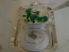 latest OBSESSION ; childhood FAVORITE jello w carnation milk from my uncle's coffee shop ! pic.twitter.com/xWk6fPK31x