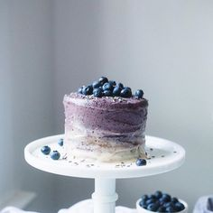 Vegan Vanilla Cake with Blueberry-Lavender Cashew Frosting | The Green Life