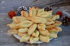 Probablement le biscuit le plus populaire en Provence !A Marseille la tradition veut que l'on déguste des navettes de la Saint Victor pour la Chandeleur, mais heureusement on en trouve toute l'année dans les pâtisseries provençales ! Ingrédients pour...