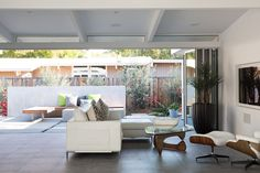 Indoor-Outdoor Home by a Midcentury Master Gets a Faithful Update | Dwell