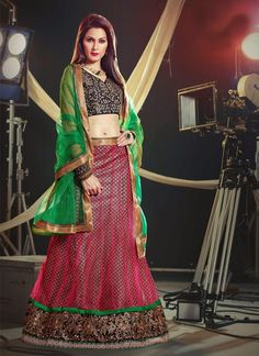 http://www.sareebuzz.in/lehenga-choli/magnificent-pink-net-wedding-lehenga-choli-4616  Magnificent Pink Net Wedding Lehenga Choli  Color :Hot Pink  Occasion :Festival Reception  Fabric :Net  Work :Embroidered Zari Item Code: :4616  For Inquiry Or Any Query Related To Product, Contact :- +91 9974 111 222