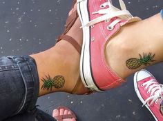 http://www.revelist.com/arts/matching-tattoos-for-bffs/4446/...Or even a pineapple!/23/#/23