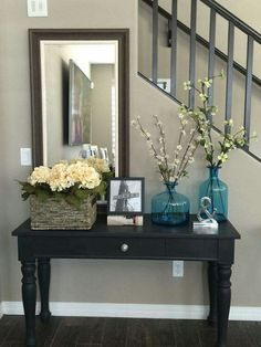Charmant Love The Wall Color And Banisters Entry Way Sofa Table. Broyhill Table  Repurposed With Annie Sloan Chalk Paint In Black And Clear Wax