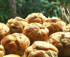 Delícias do Dia-a-Dia: MUFFINS DE BACON E COGUMELOS Scones, Cookies, Breakfast, Tarts, Breads, Desserts, Food, Holiday Recipes, Mushrooms