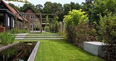 Hoogteverschillen in een prive tuin | In de tuin | SCHELLEVIS