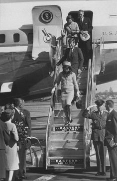 President Kennedy in Dallas photos | President Kennedy and First Lady Jacqueline Kennedy depart Air Force ...
