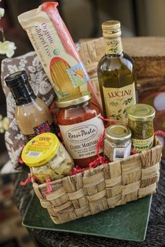 Gourmet barbecue sauce pasta sauce salsa gift baskets smokin abbondanza italiano a gift basket full of delicious italian goodies it will bring a gluten free negle Choice Image