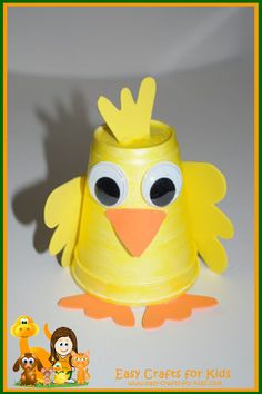 An adorable duckling and tons more spring craft ideas for kids!