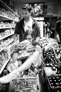 go grocery shopping together<3333