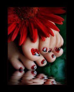 Ladybug toes!!