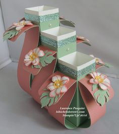 Flower vases (tutorial is a PDF in French)