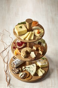 The Vertical Lift Cheese Platter. Take Your Cheeseboard To New Heights With This Unique Twist On A Classic. This Tower Of Flavour Will Save Space On Your Table As It Becomes The Talk Of The Party. Party Platters, Food Platters, Cheese Platters, Cheese Table, Cheese Bar, Cheese Tower, Pub Food, Food Menu, Posh Nosh