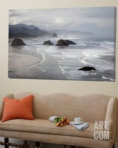 Cannon Beach and Haystack Rock, Crescent Beach, Ecola State Park, Oregon, USA…
