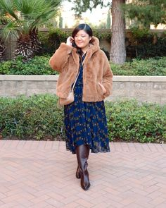 When I first ordered this jacket, I sort of thought it was going to be a piece I only wore a few times, simply because it's bulky and the brown faux fur and large hood channel some pretty major teddy bear vibes. In reality though, I've been wearing this jacket constantly!