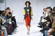 'This Is Not America' Cómo fue la primer colección de #RafSimons para #CalvinKlein? El cheat sheet en Vogue. Link en bio  via VOGUE MEXICO MAGAZINE OFFICIAL INSTAGRAM - Fashion Campaigns  Haute Couture  Advertising  Editorial Photography  Magazine Cover Designs  Supermodels  Runway Models