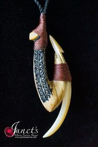 Whale Hook Bone and Ivory Maori Symbols, Bone Crafts, Maori Art, Carving Designs, Tatau Tattoo, Tattoos, Bone Carving, Pendant Design, Ivoire