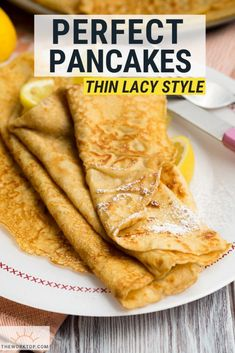 love these thin pancakes! Make this easy thin pancake recipe for breakfast or brunch. Get tips and tricks so you always make the perfect pancake. You might call this a crepe or an English pancake. Recipe on . Crepes Minces, Yummy Pancake Recipe, Pancake Recipes, Pancakes Recipe English, Crepe Pancake Recipe, Perfect Pancake Recipe, German Pancakes, American Pancakes, Thin Pancakes