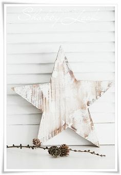 wooden Christmas star in shabby look | Xmas decoration . Weihnachtsdekoration . décoration noël | @ Shabby Look |