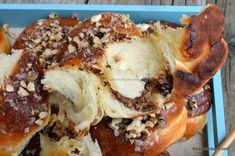 Mucenici umpluți cu nucă - rețeta de sfințișori pufoși și însiropați   Savori Urbane Frosting Techniques, Cheesesteak, Cake, Ethnic Recipes, Desserts, Food, Banana, Kuchen, Tailgate Desserts
