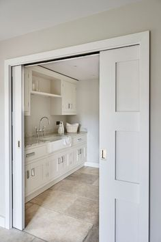 23 Chic Utility Room, Scullery and Laundry Room Ideas Boot Room Utility, Small Utility Room, Utility Room Storage, Utility Room Designs, Small Laundry, Boot Room Storage, Utility Room Ideas, Mudroom Laundry Room, Laundry Room Design