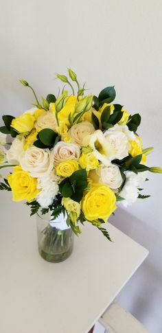 Glass Vase, Floral Wreath, Plush, Wreaths, Weddings, Home Decor, Floral Crown, Decoration Home, Door Wreaths