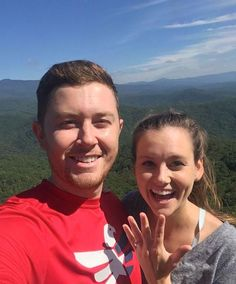 Scotty McCreery Pops The Question To Longtime Girlfriend   Country Rebel