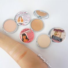What is strobing? Strobing is the new face-sculpting hack WITHOUT having to contour. This method is especially good for those who are lazy to contour - strobing uses only highlighters to highlight the highest points of the face to accentuate them.   Swatches shown: Mary Loumanizer, Cindy Loumanizer, Betty Loumanizer  #makeup #makeupartist #mua #pretty #fotd #motd #instagood #instadaily  #beautyblog #selfie  #makeuptutorial #hair #hairtutorial #follow  #like #instalike #strobing…