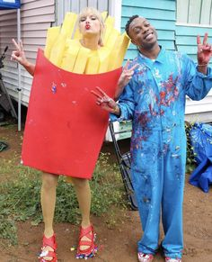 Taylor Swift dresses up as French Fries and reunites with Katy Perry (dressed as the burger) ending the bad blood Taylor Swift Rojo, Taylor Swift Music, All About Taylor Swift, Live Taylor, Swift 3, Red Taylor, Taylor Alison Swift, Bon Iver, Costumes