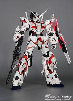 DRAGON MOMOKO 1//60 PG UNICORN GUNDAM RX - 0