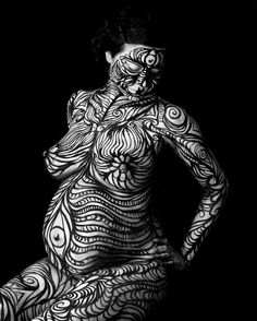 I'm quite enamored with the idea of body art pregnancy photo shoot.