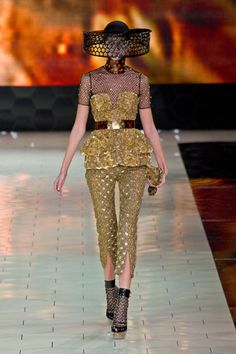 Little things make a difference... Still Eclectic & Edgy but the Peplum adds a Feminine Touch!  BYOB!    Alexander McQueen Spring 2013